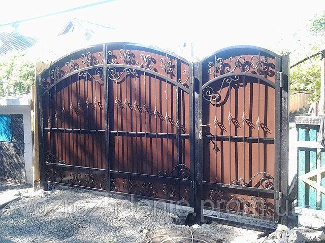 Ворота кованые зашитые композитом M170K