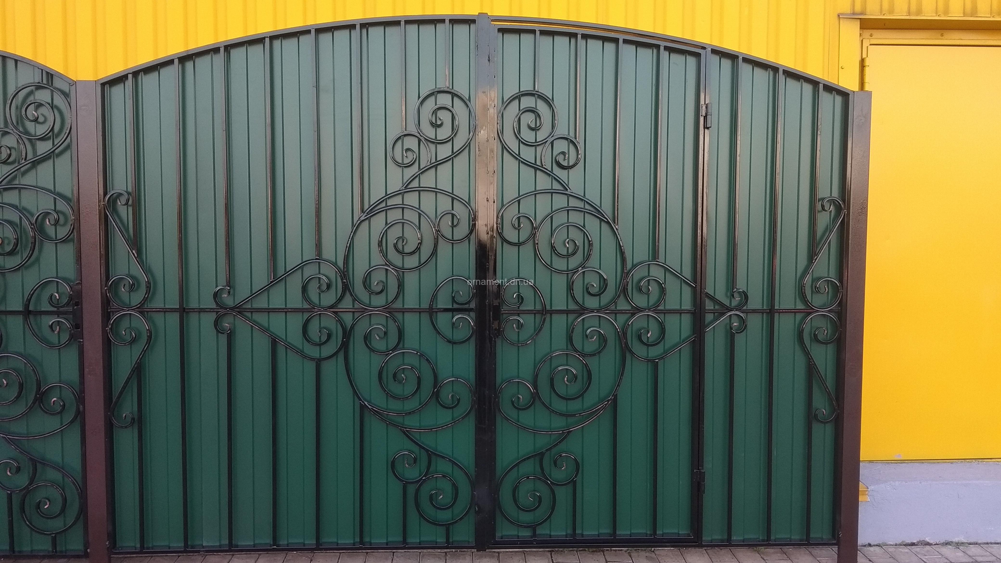 Ворота кованые «Нежность» калитка внутри (без монтажа и столбов)